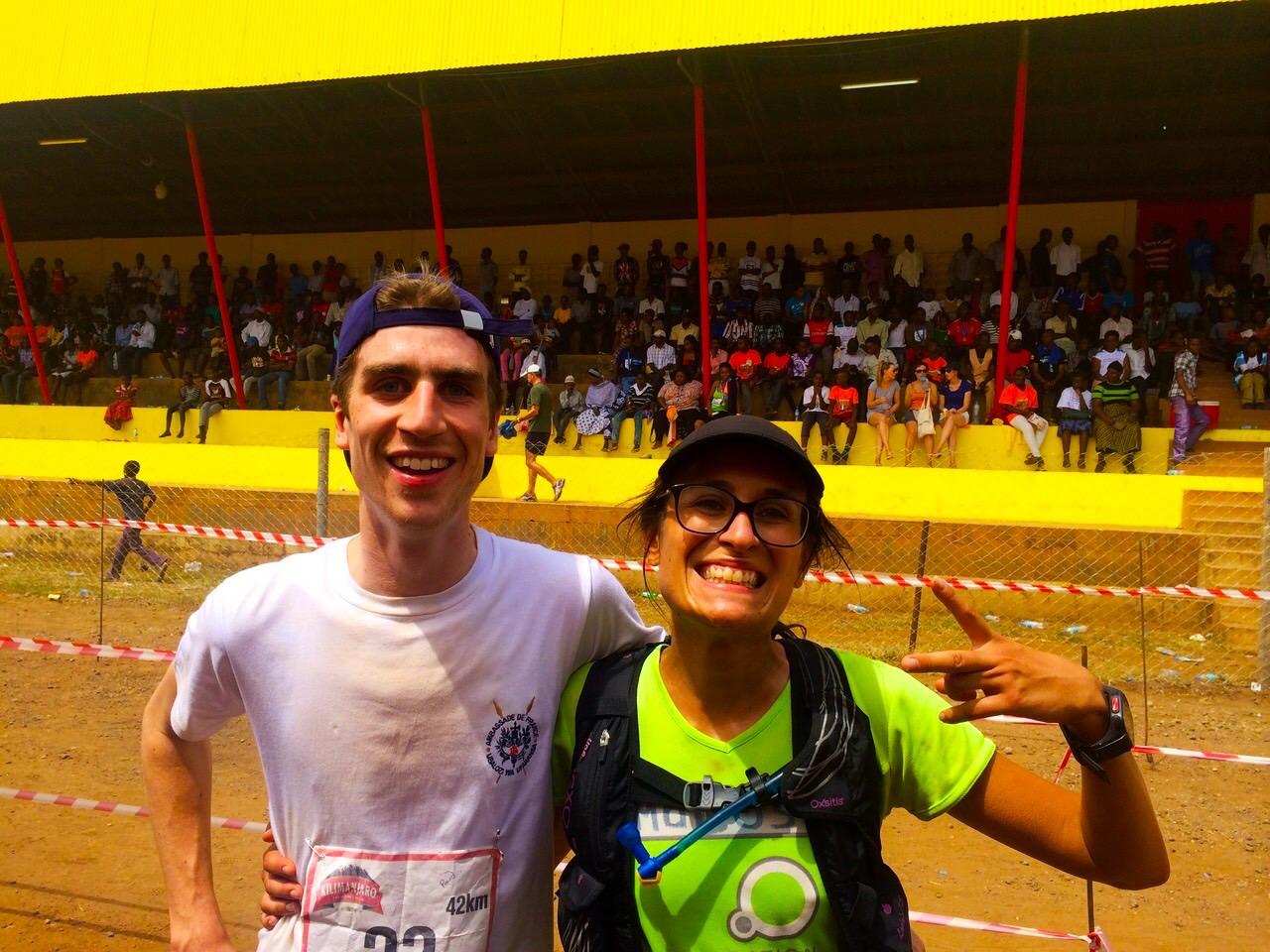 A la fin du Kilimanjaro Marathon avec Gauthier