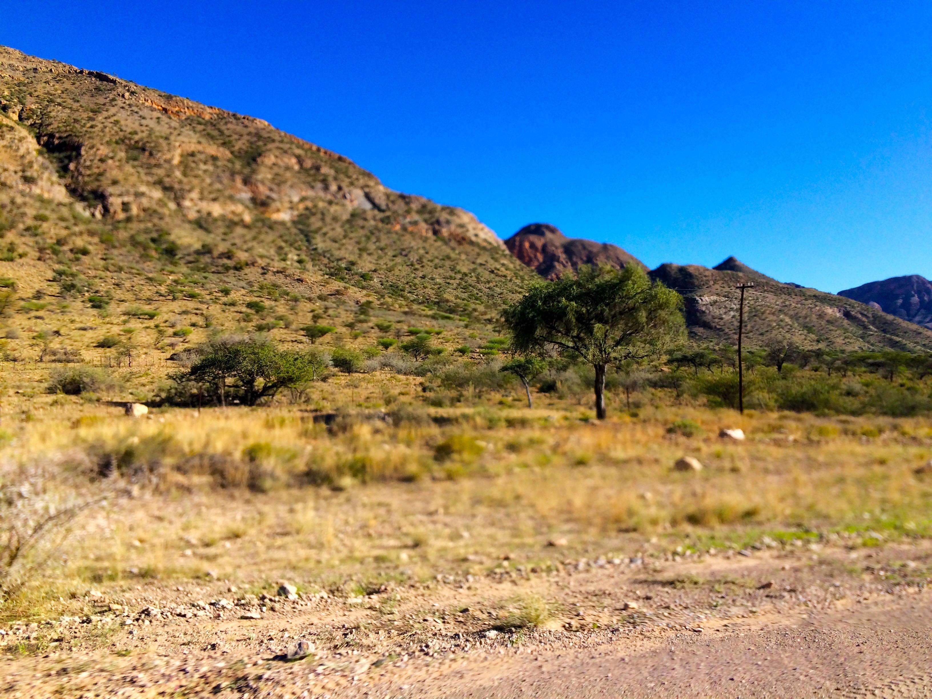 De la roche avant le désert