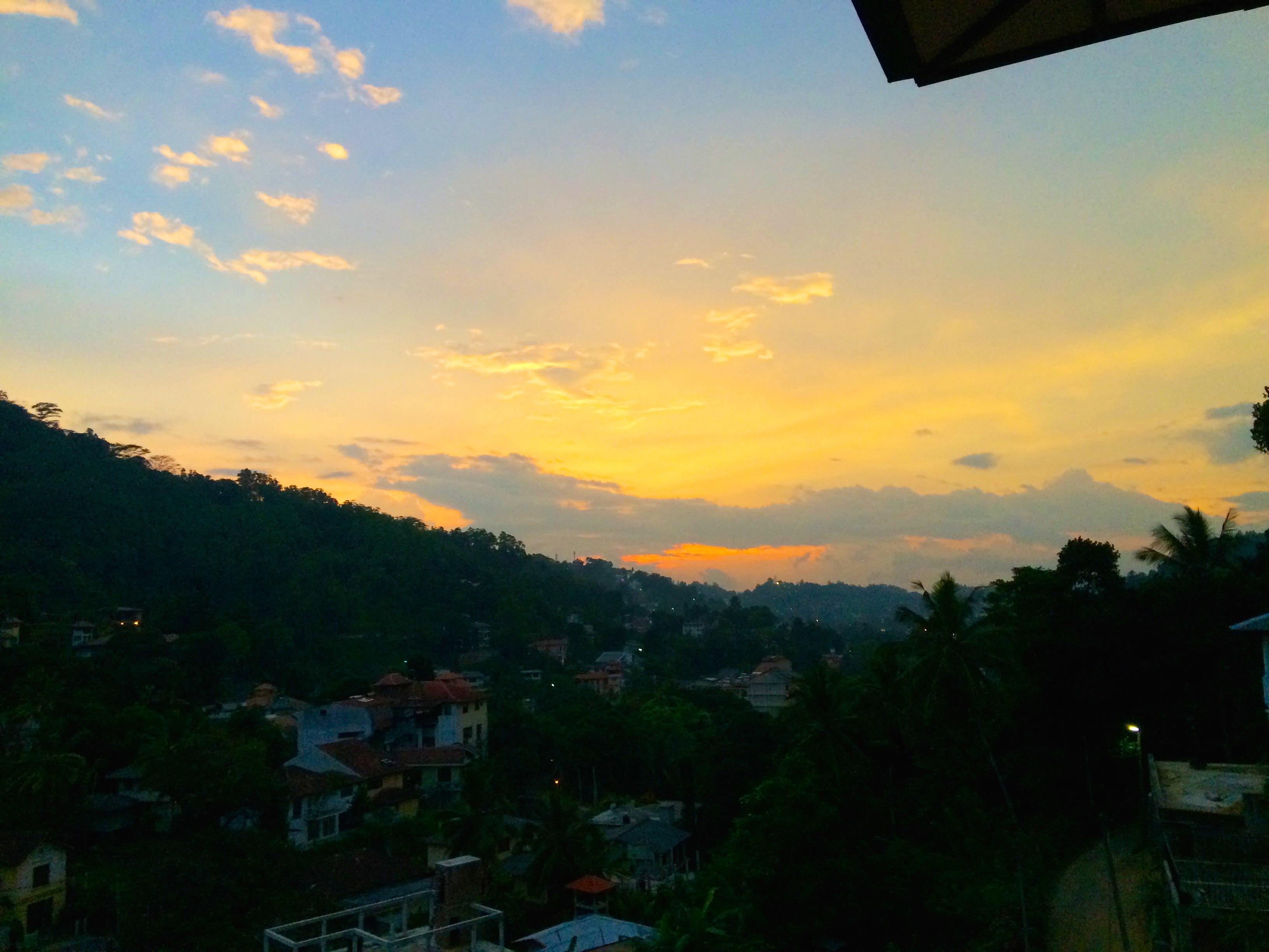 Magnifique coucher de soleil – Kandy